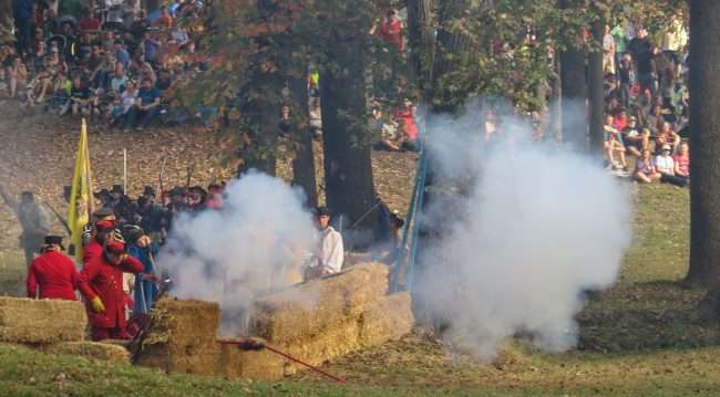 Oct 21, 2017 - Cannon fires at Mock Battle at 44th Annual Fort Massac Encampment 2017/photonews247.com