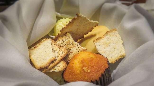 Oct 8, 2017 - Complimentary bread, biscuits, crackers at Bridges Restaurant Metropolis, IL/photonews247.com