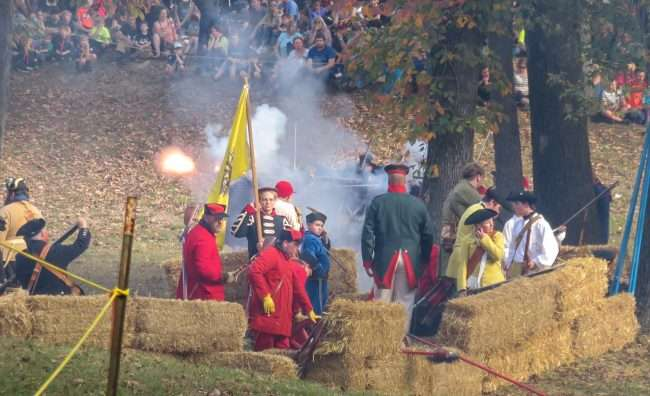 Oct 21, 2017 - Mock Battle and Military Tactical Demonstration at 44th Annual Fort Massac Encampment 2017/photonews247.com