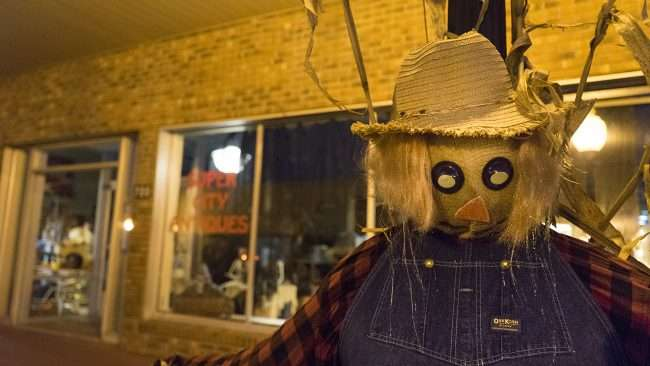 Oct 26, 2017 - Scarecrow at Super City Antique Market Street, downtown Metropolis, IL/photonews247.com