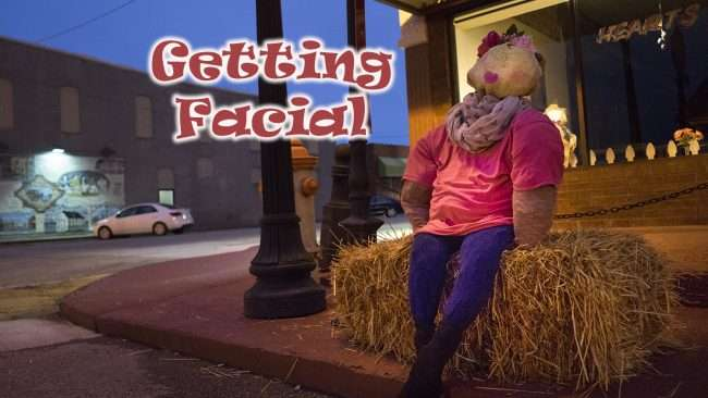 Oct 8, 2017 - Scarecrow getting facial on Market St, Metropolis, IL/photonews247.com