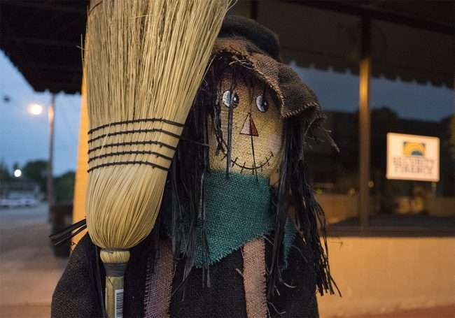 Oct 8, 2017 - Scarecrow with broom in front of Security Finance on Market St, Metropolis, IL/photonews247.com