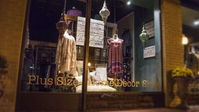 Oct 7, 2017 - Sixth and Vintage womens clothing Boutiqe Fall 2017 Plus Size line Market Street, Metropolis, IL/photonews247.com