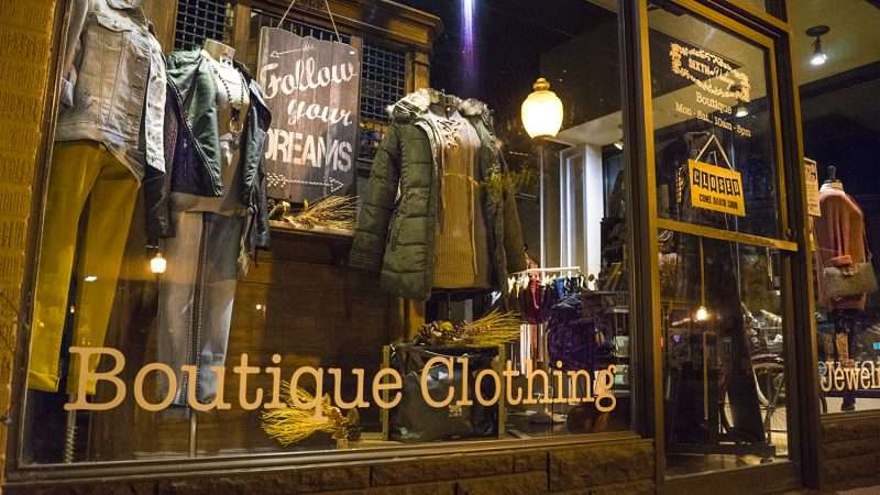 Oct 7, 2017 - Sixth and Vintage womens clothing Boutique Fall 2017 line Market Street, Metropolis, IL/photonews247.com