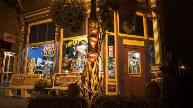 Oct 8, 2017 - Superman Scarecrow at Superman Museum on Market St, Metropolis, IL/photonews247.com