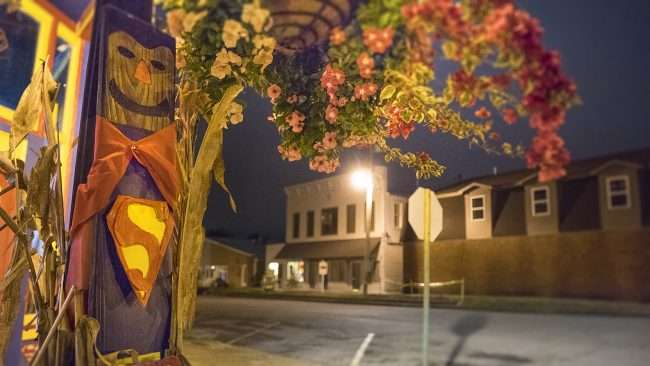 Oct 8, 2017 - Superman Scarecrow decorations at Superman Museum on Market St, Metropolis, IL/photonews247.com