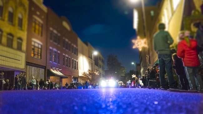 Dec 2, 2017 - Beginning start of Paducah's Christmas Parade on Broadway Main Street/photonews247.com