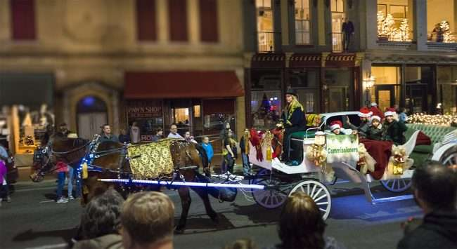 Dec 2, 2017 - City Commissioners riding horse and carriage during Christmas Parade Downtown Paducah/photonews247.com