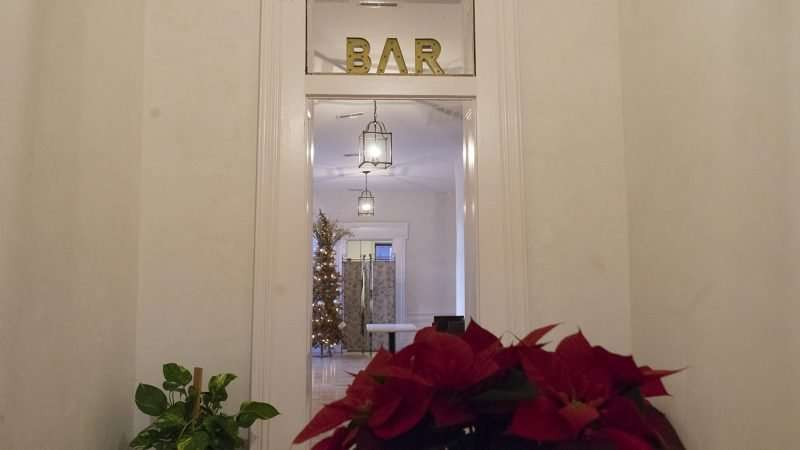 Dec 12, 2017 - The Juniper Bar Room at Smedley Yeiser in Lower Town Art District, Paducah/photonews247.com