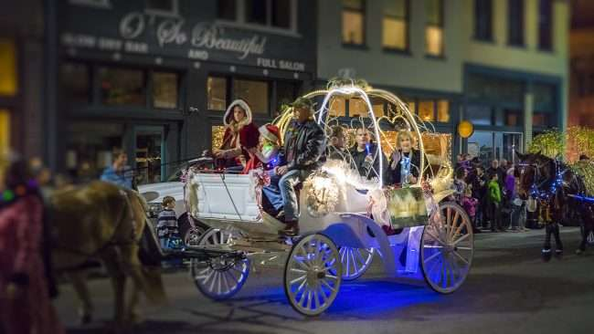 Dec 2, 2017 - Merryman Kemp is Grand Marshall for the Annual Paducah Christmas Parade 2017/photonews247.com