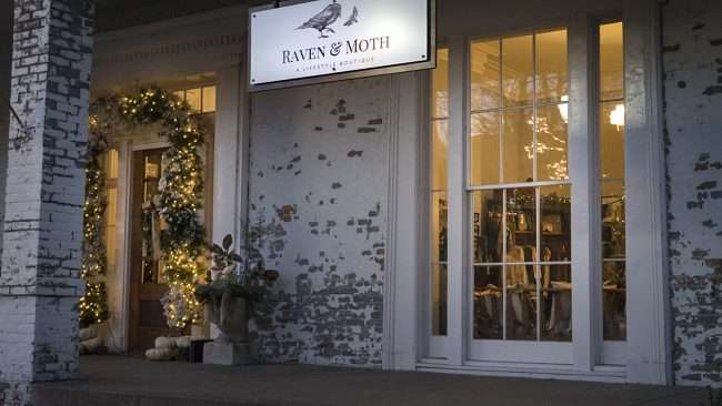 Dec 8, 2017 - Raven and Moth Salon & Boutique in Smedley building downtown Paducah, KY/photonews247.com