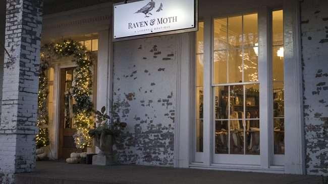 Dec 8, 2017 - Raven and Moth Salon & Boutique in Smedley building downtown Paducah, KY/photonews247.com
