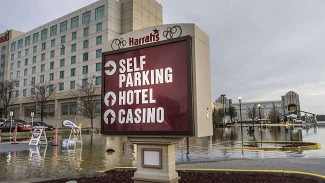 Feb 25, 2018 - Harrah's Hotel and Casino closes due to flooding in parking lot small/craig currie