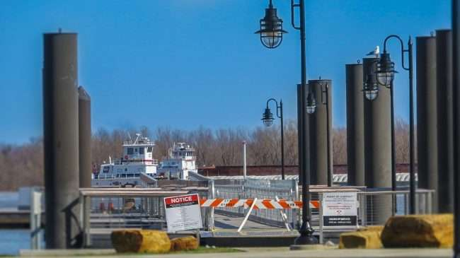 Feb 26, 2018 - Paducah's Transient Boat Dock level with ground during 49 foot flood 2018/craig currie