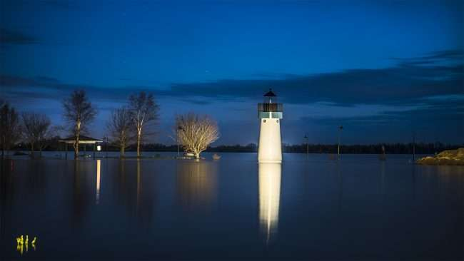 03.04.2018 - Flood reaching 52.6 ft in Dorothy Miller Park with Hope Light Lighthouse not on, Metropolis, IL/photonews247.com