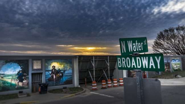 3.16.2018 - This is where Dogwood Trail turns left on Waters Street off of Broadway along the floodwall murals in Paducah, KY/photonews247.com