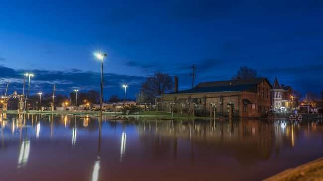 03.07.2018 - Harrah's flooded parking with Miller's Dairy Metropolis, IL/photonews247.com
