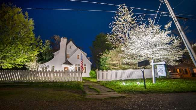 April 27, 2018 - Paducah Lighted Dogwood Trail Winners 2018 - Carl and Polly LeBuhn, 644 Woodland Drive, Paducah, KY/photonews247.com