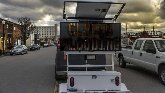 03.01.2018 - Sign on Ferry Street reads CLOSED FLOODING, Metropolis, IL/photonews247.com