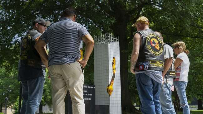 May 28, 2018 - Nathan Torian stands with combat vets at Global War on Terrorism Memorial in Dolly McNutt Memorial Plaza, Paducah KY/photonews247.com