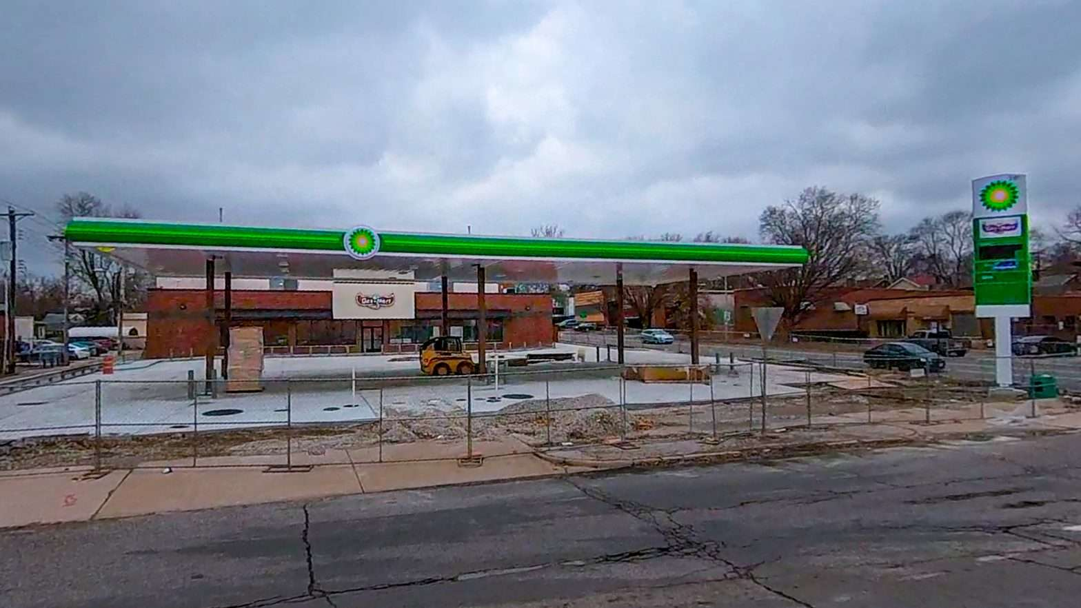 Gas Mart Olive and Kingsland University City construction in Feb. 2021. credit craig currie