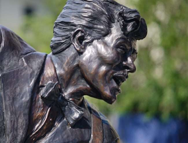 Chuck Berry statue on The Delmar Loop next to Salt & Smoke restaurant. (photo credit June 1, 2020 by craig currie)