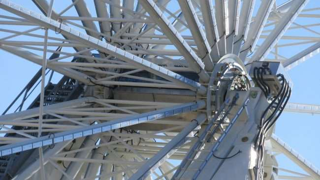Center of Ferris Wheel at St. Louis Union Station. credit craig currie