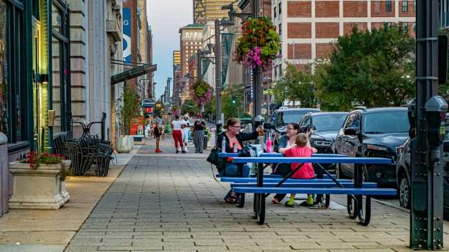 Outside dining at The Slice Pint on Washington Avenue in Downtown St. Louis. (Aug 28, 2020)
