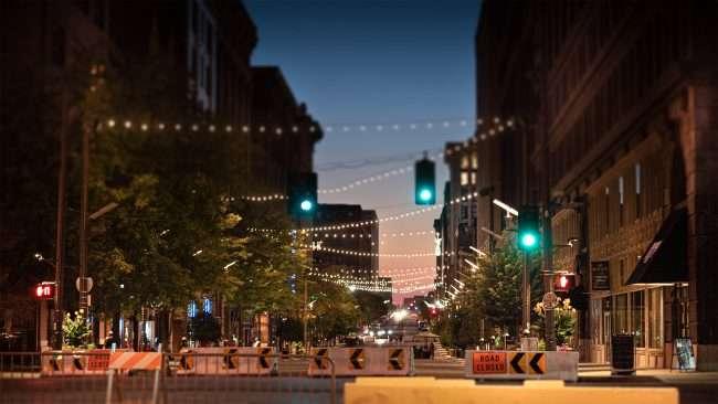 Washington Avenue blocked off at Tucker Blvd, in Downtown St Louis. (Aug. 28, 2020)