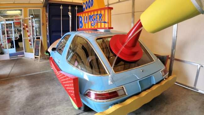 Rear view of Burger Mobile at Hi-Point Drive-in St. Louis. (credit craig currie)