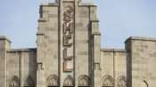 Shell sign on top of Shell building in Downtown St. Louis in Feb. of 2021. credit craig currie