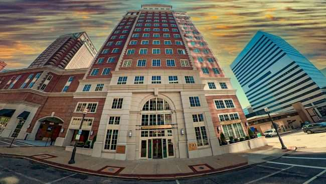 Plaza Clayton Office Tower building, 190 Carondelet Plaza. credit craig currie March 2021