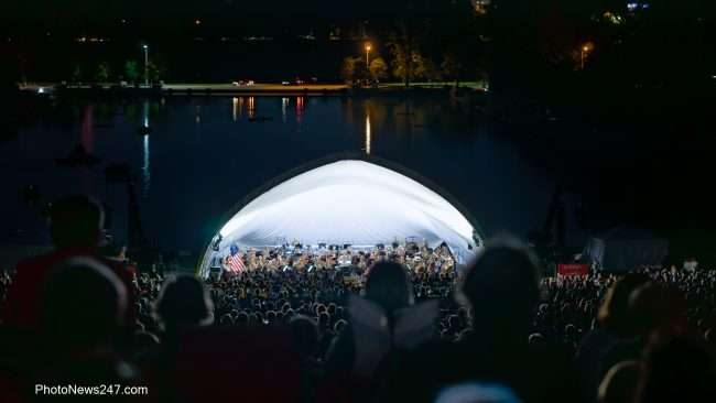 Big turn out at Forest Park free concert by St Louis Symphony Orchestra with Gemma New Conductor. credit craig currie