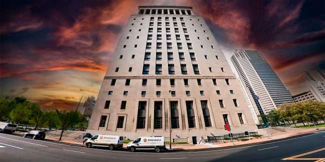 Civil Courts building in Downtown Saint Louis. April 2021 by craig currie