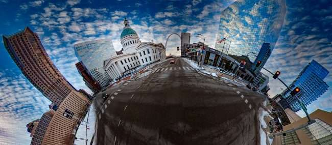 Old Courthouse, St. Louis Gateway Arch and Metropolitan Square building. March 2021 by craig currie