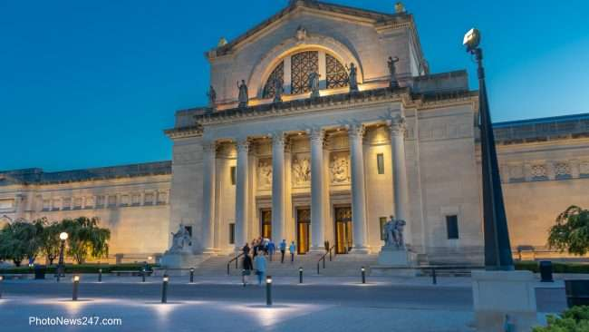 St Louis Art Museum front steps entrance Forest Park