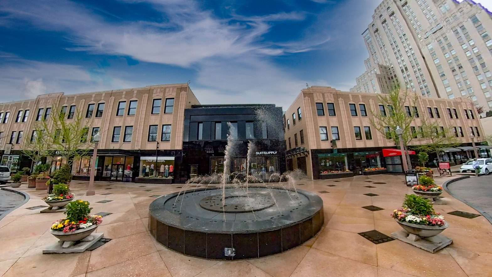 Water Fountain Central West End Shopping Center in April 2021. credit craig currie