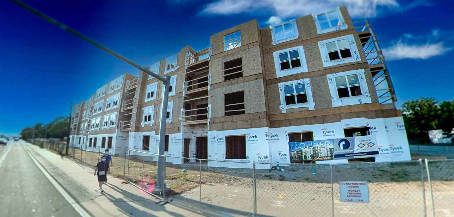 Oliver Apartments Olivette MO 4 stories August 2021. credit craig currie