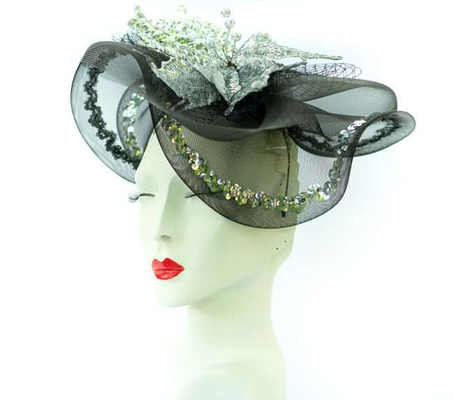 Kentucky Derby Fascinator with White Flowers, Hats by Dainne Isbell. credit craig currie