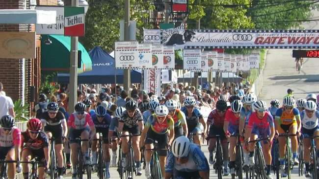 Gateway Cup Women's Pro category racing in The Hill neighborhood on September 5, 2021. credit craig currie