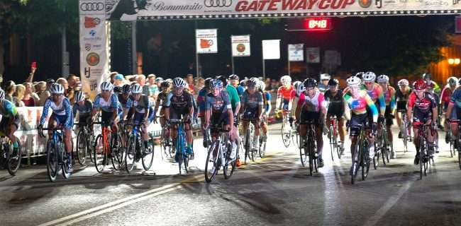 Gateway Cup women's pros take off from staring line for bicycle race in Lafayette Park, Tour de Lafayette. credit craig currie
