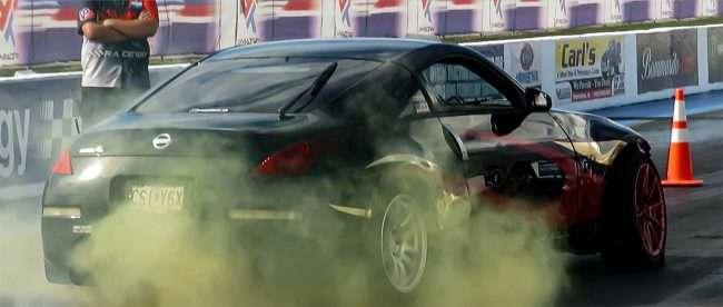 Import Face-Off Nissan does Burnout at Madison Il Raceway