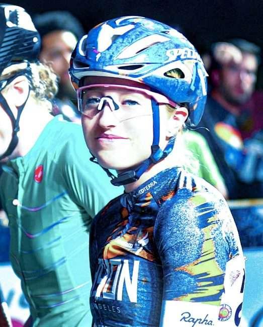 Skylar Schneider smiling before Gateway Cup women's professional category in Lafayette Park, Tour de Lafayette. credit craig currie